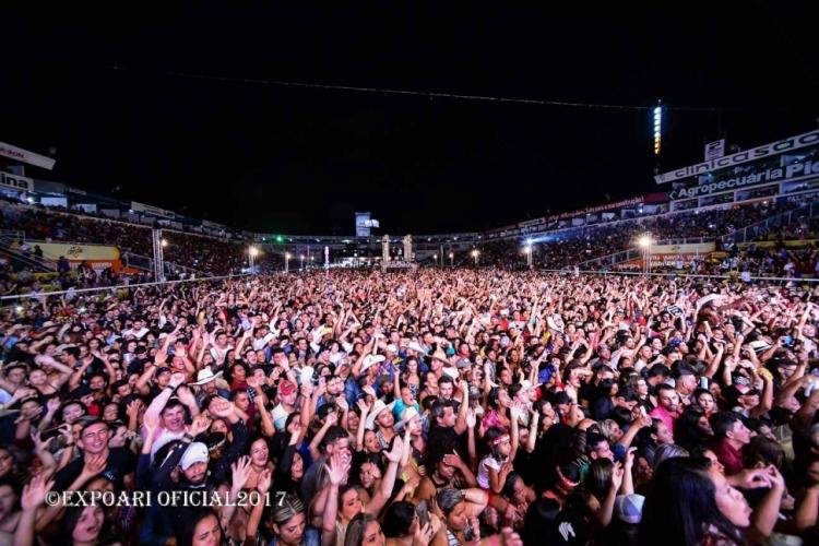 WESLEY SAFADÃO: Fotos no Camarim da Expoari 2017