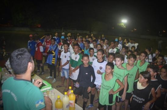 Escolinha de Futebol Capitão Sílvio realiza 1° Torneio Interno em confraternização de um ano