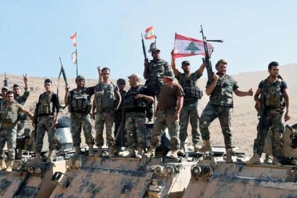 Estado Islâmico inicia retirada de área na fronteira entre Síria e Líbano