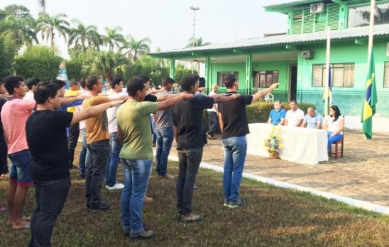 Cerimônia de Juramento à Bandeira foi realizada na