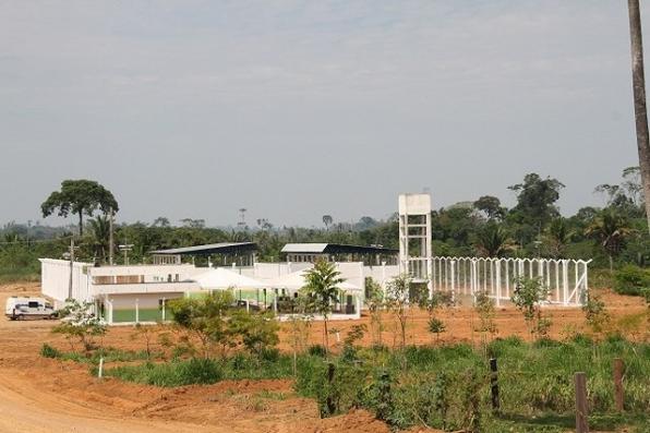 Diretor de presídio e agentes penitenciários são presos em operação que investiga regalias a presos
