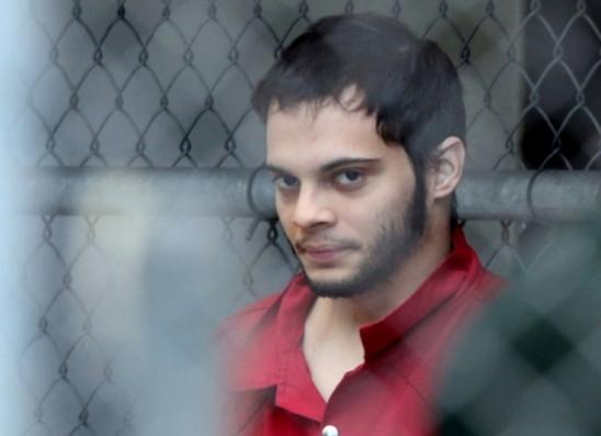 Autor de massacre em aeroporto na Flórida no ano passado se declara culpado