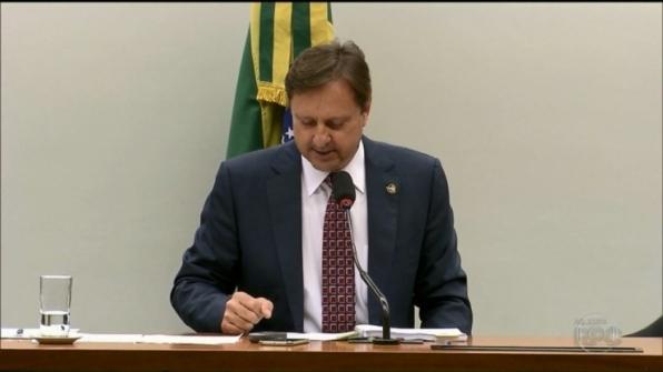 Ministro do STF determina transferência imediata do senador Acir Gurgacz para Brasília