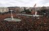 Milhares de espanhóis protestam em Madri contra atuação do governo na negociação com a Catalunha