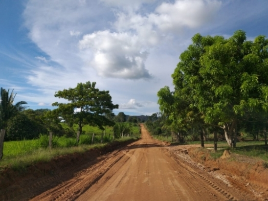 Secretaria de Obras faz recuperação de áreas atingidas pelas chuvas intensas em Monte Nego, RO