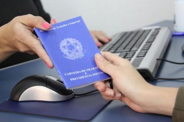 Secretaria de Ação Social de Monte Negro retoma a emissão da carteira de trabalho - CTPS