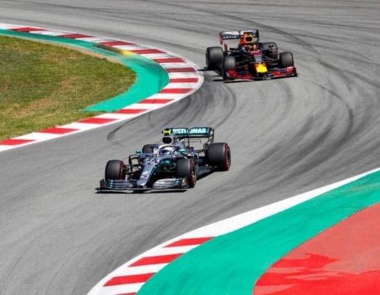 Verstappen diz que carro da Mercedes é melhor que o da RBR em