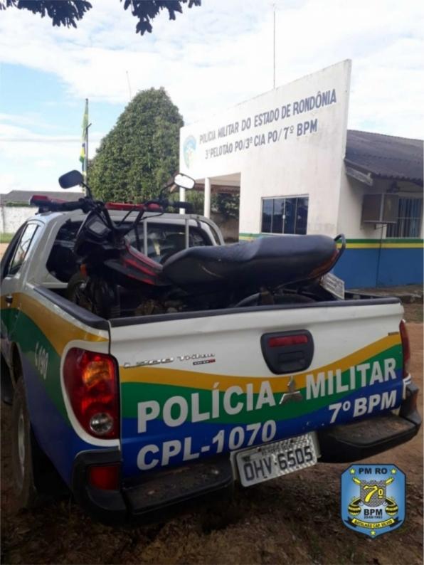 Policiais militares recuperam motocicleta em Monte Negro, RO