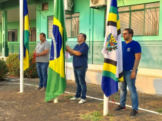 Prefeitura de Monte Negro abre a