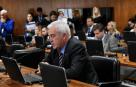 CCJ aprova exigência de laudo para revogar prisão de agressor de mulheres