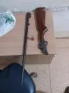 Em Cujubim PM prende suspeitos, recupera objetos e apreende arma de fogo